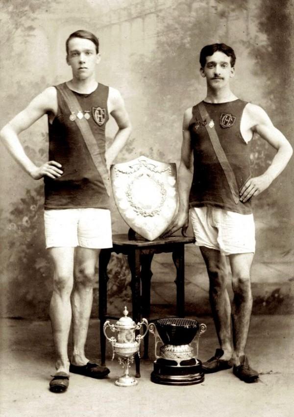 1910 Paul Kelly